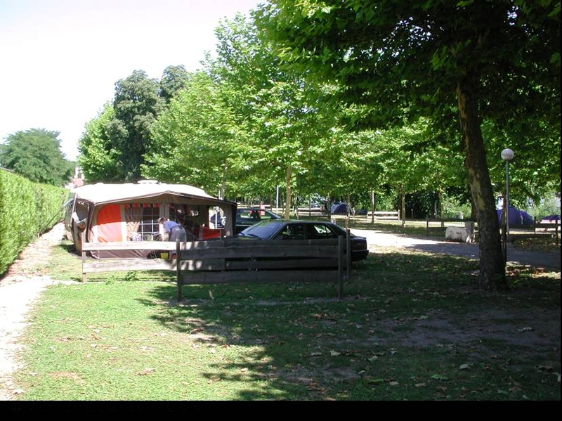 Campings campings camping municipal gaston marchand for Garage web car saint jean du falga avis